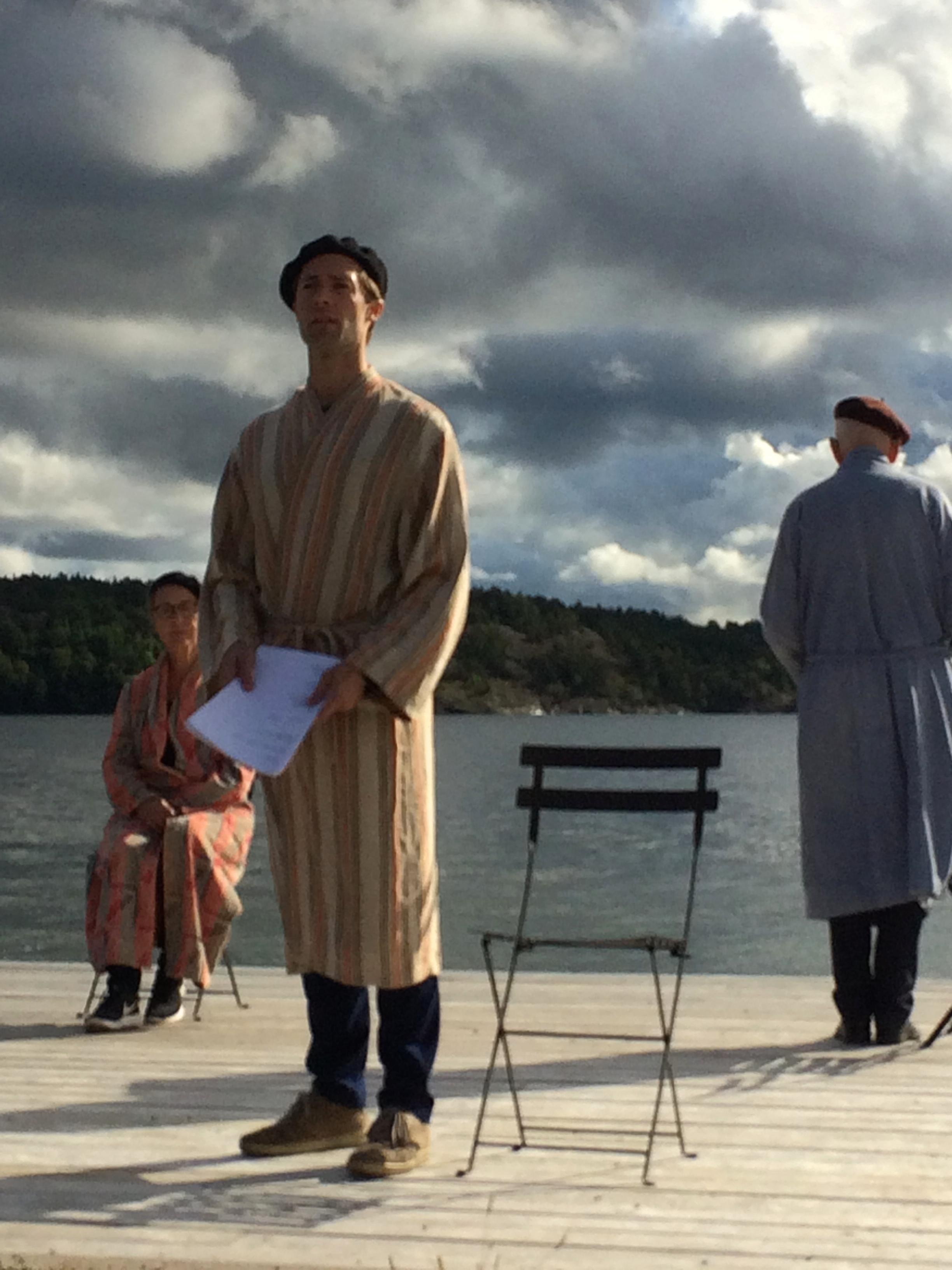 Framförandet av En Mölna-Elegi på plats den 17 september blev mycket lyckat. Medverkade gjorde Henric Holmberg (som även stod för bearbetningen), Paula Brandt, Mikael Saedén och Sonja Lund. Spelledare och animatör var Anders Mortensen. Föreställningen togs upp på video och publiceras under hösten.